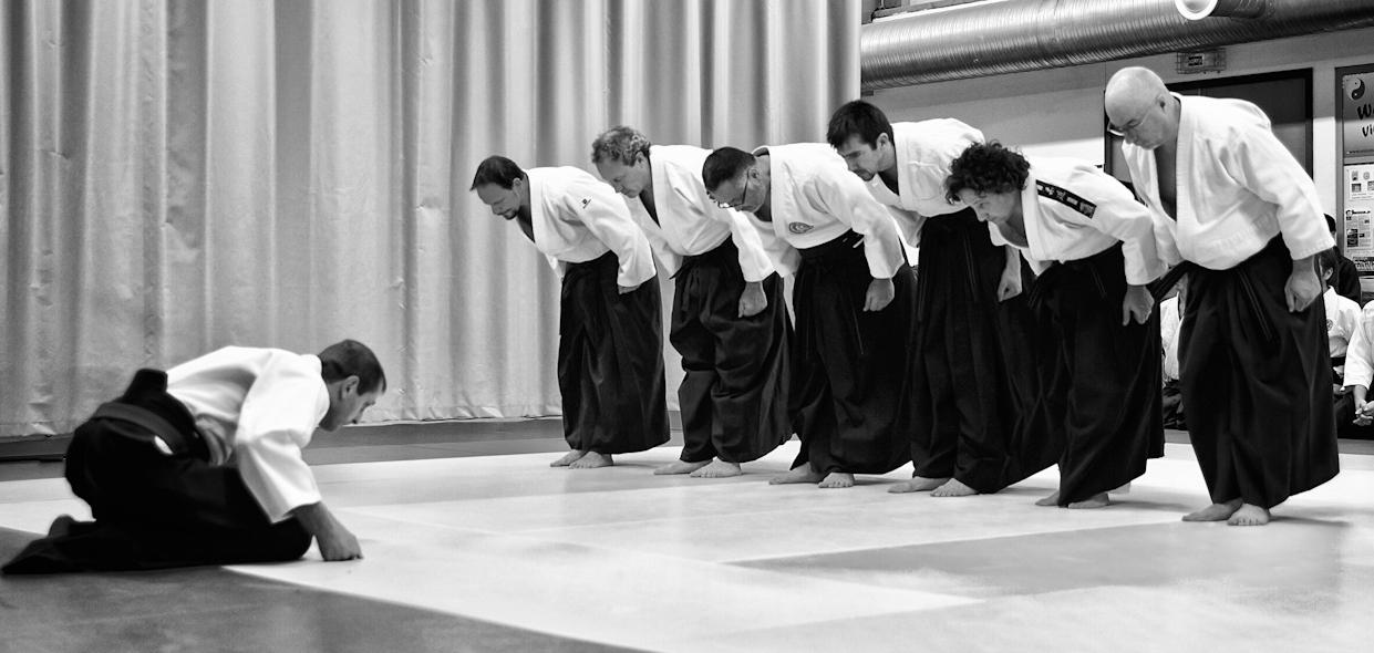 Salut des organisateurs cérémonie du Kagami-Biraki